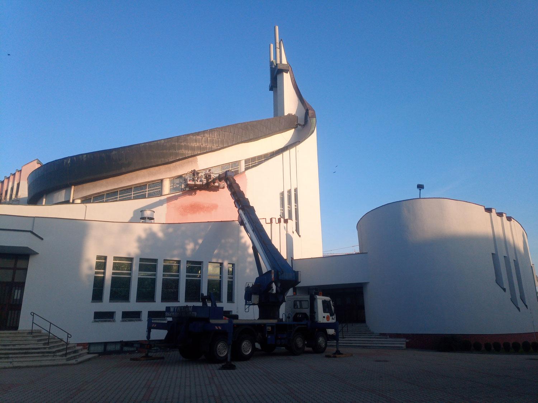 Wynajem zwyżki do prac w Kościele Katowice